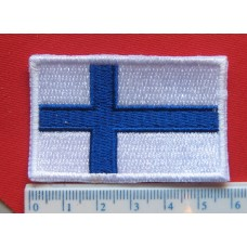 Suomen lippu brodeerattu